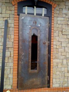 Дверь с фрамугой до реставрации